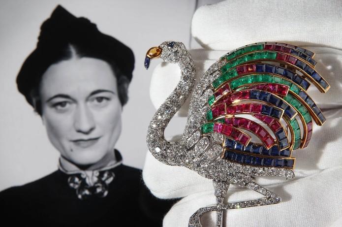 Imagini pentru bijuterii Société Cartier