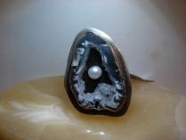 Inel din argint cu agat si perla